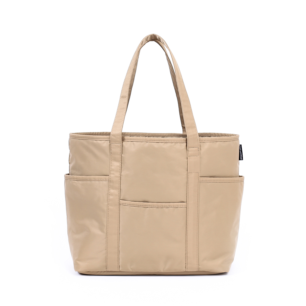 MAZI UNTITLEDNylon Cafe Tote(Beige)10% Off