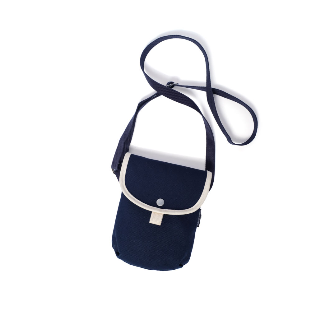 MAZI UNTITLEDStroll  Bag(Navy)10% OFF